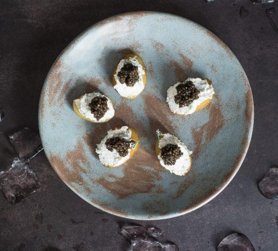 Bulvytės su varškės kremu ir ikrais
